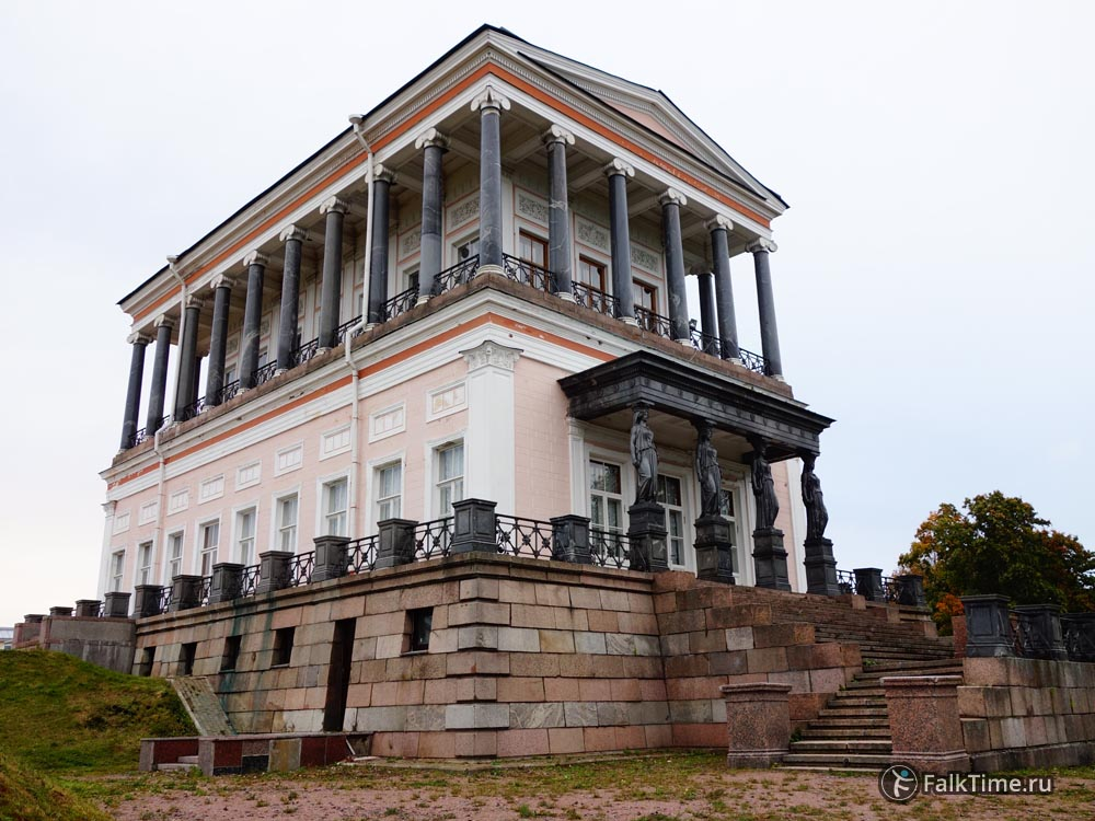 Фасад Бельведера со стороны парка