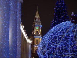 Новогоднее украшение центра Петербурга